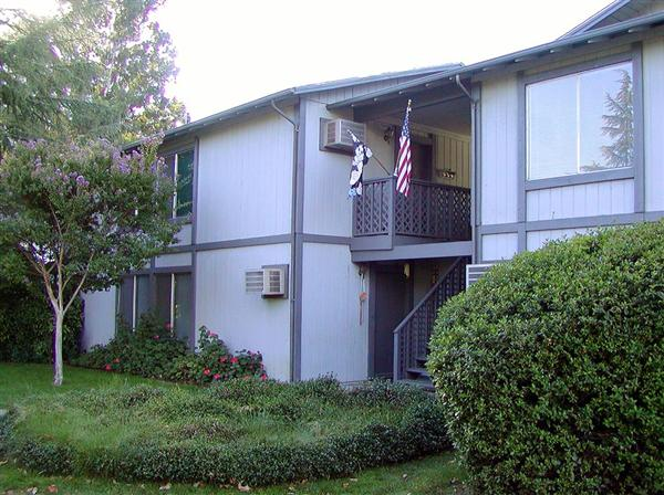 Photo of 390 El Rio Ct  Ukiah  CA