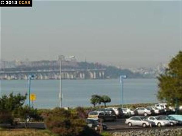 4 Commodore Dr # D447, Emeryville, CA 94608