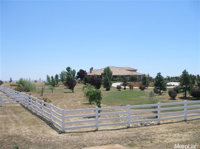2.9 acres Wilton, CA