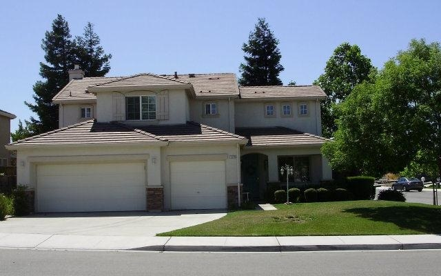 1470 Black Forest Dr, Hollister, CA 95023