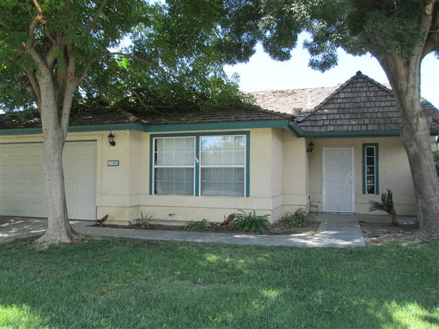 Photo of 2760 Pine Castle Dr  Hanford  CA