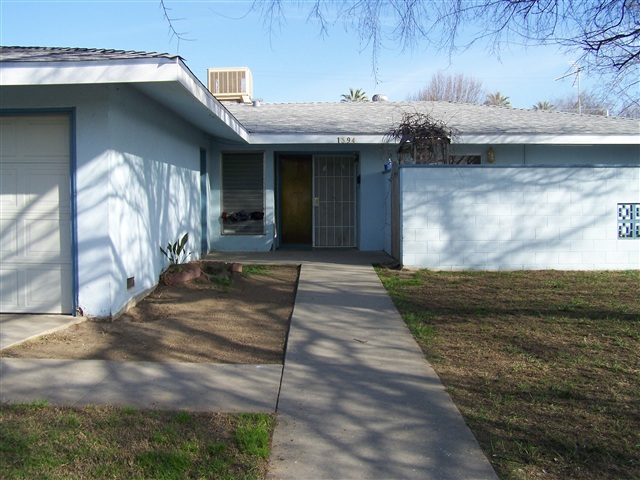 Photo of 1394 Antelope Drive  Lemoore  CA