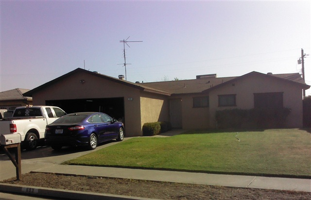 893 Manor Ave, Hanford, CA 93230
