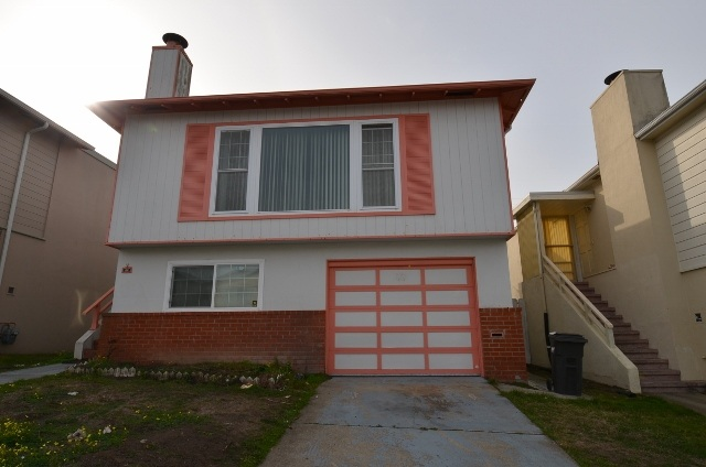 88 Avalon Dr, Daly City, CA 94015