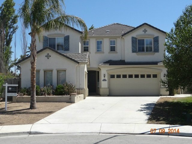 1501 Liberty Ct, Hollister, CA 95023