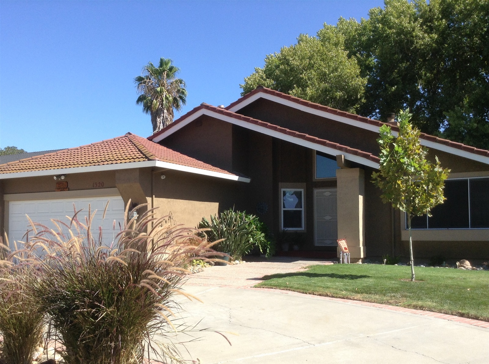 1320 Renown Dr, Tracy, CA 95376
