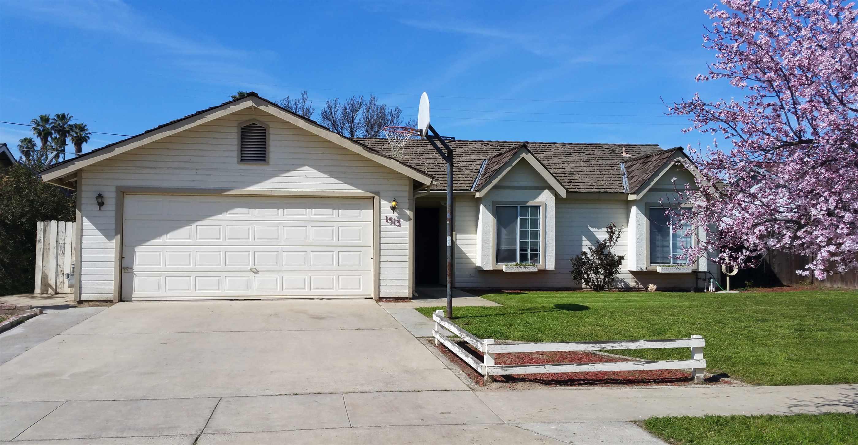 Photo of 1513 Belinda Drive  Lemoore  CA