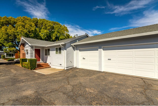1653 Lark Ave, Redwood City, CA 94061