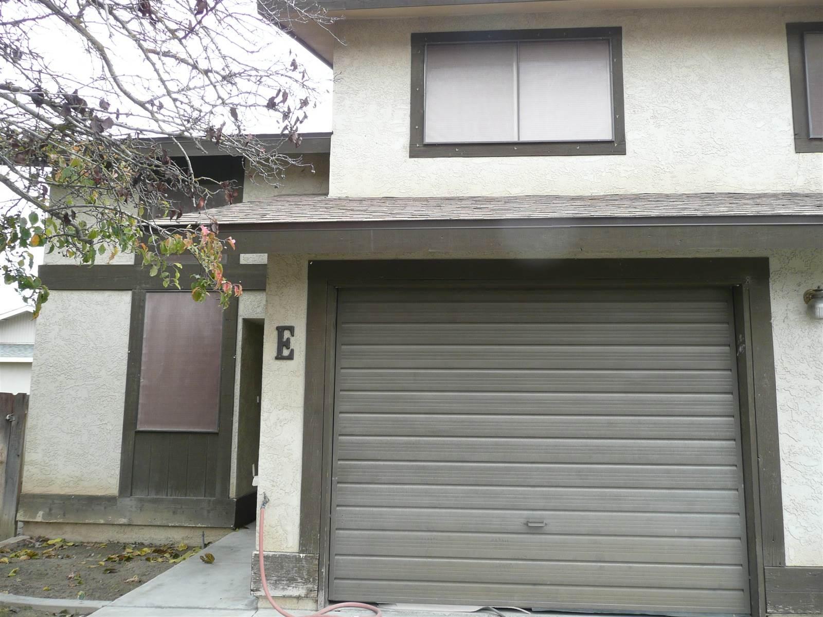 Photo of 112 N Lemoore Ave E  Lemoore  CA