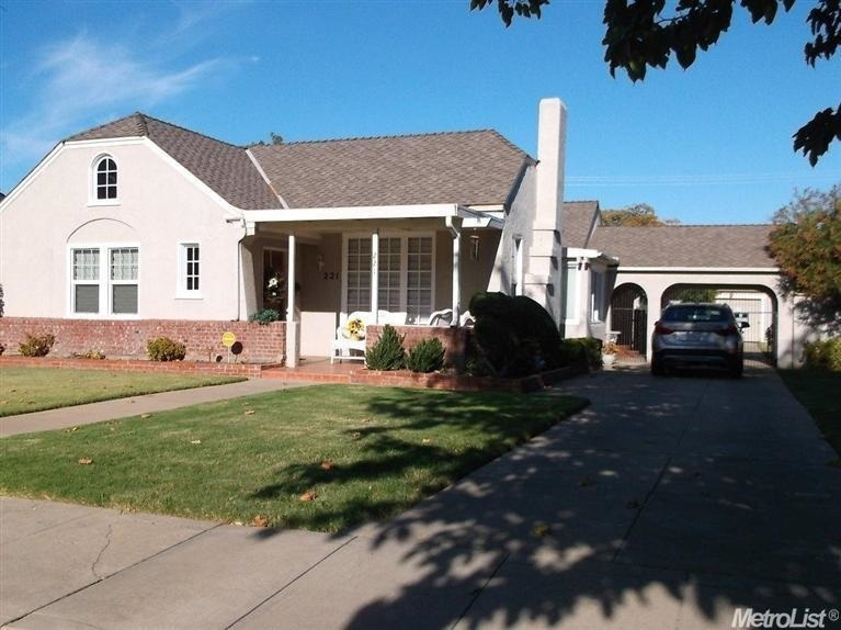 221 N 3rd St, Patterson, CA 95363