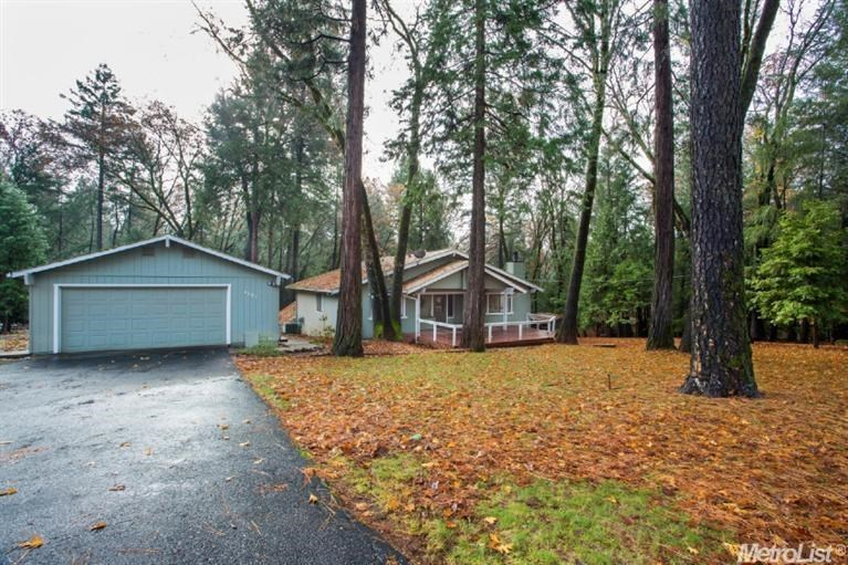 5087 Cold Springs Dr, Foresthill, CA 95631
