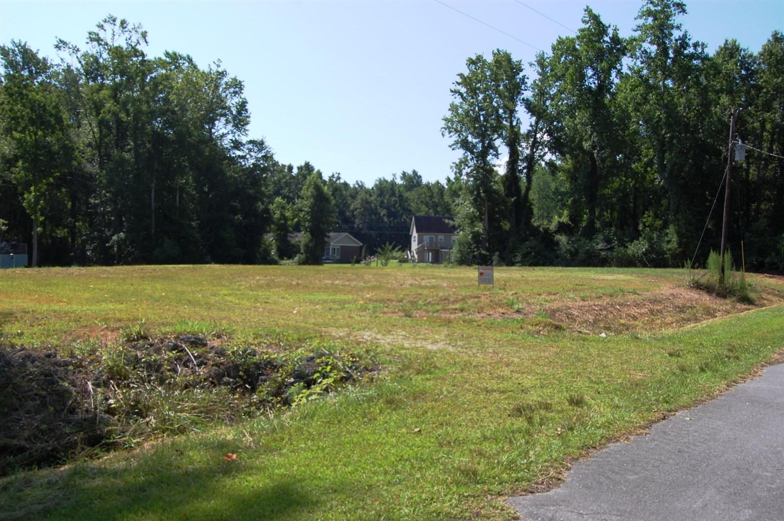 Photo of 210 Country Club Lane  Newport  NC