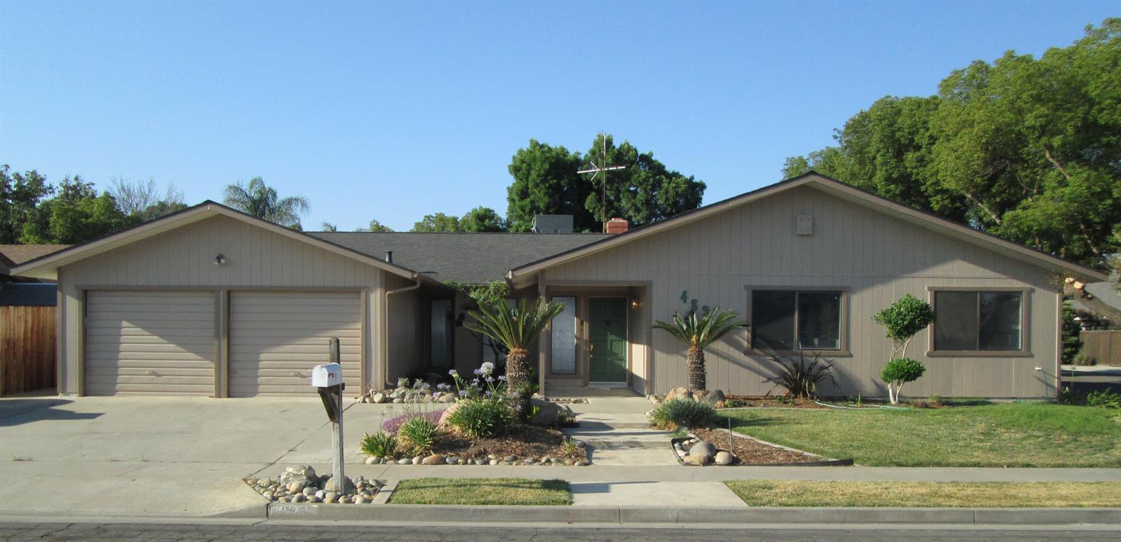 489 W Magnolia Ave, Hanford, CA 93230