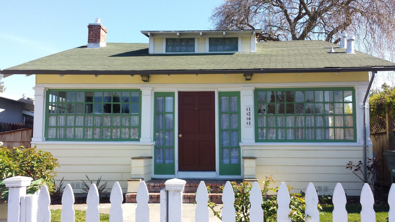 1241 Roosevelt Ave, Redwood City, CA 94061