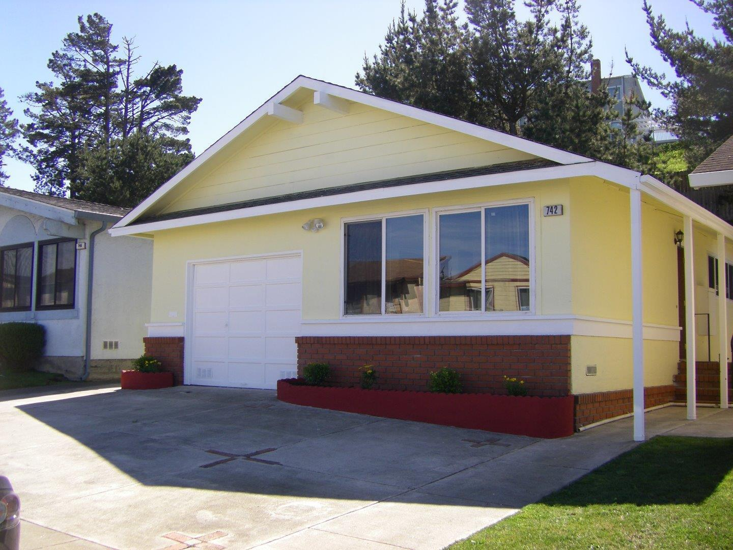 742 Gellert Blvd, Daly City, CA 94015