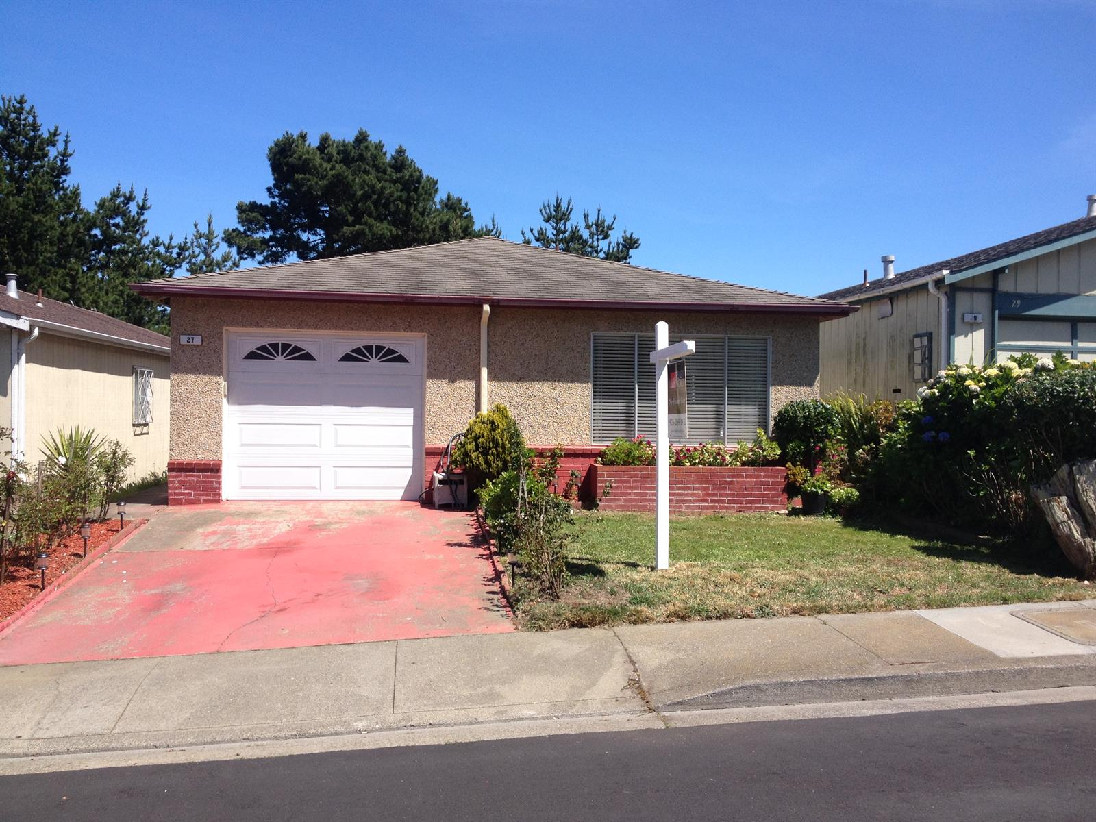 27 Morton Dr, Daly City, CA 94015