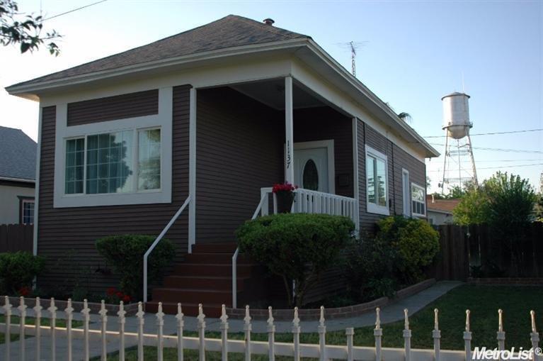 1137 Merced St, Newman, CA 95360
