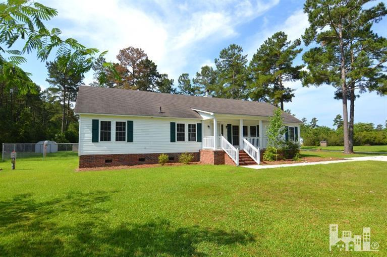 101 Bellhammon Dr, Rocky Point, NC 28457