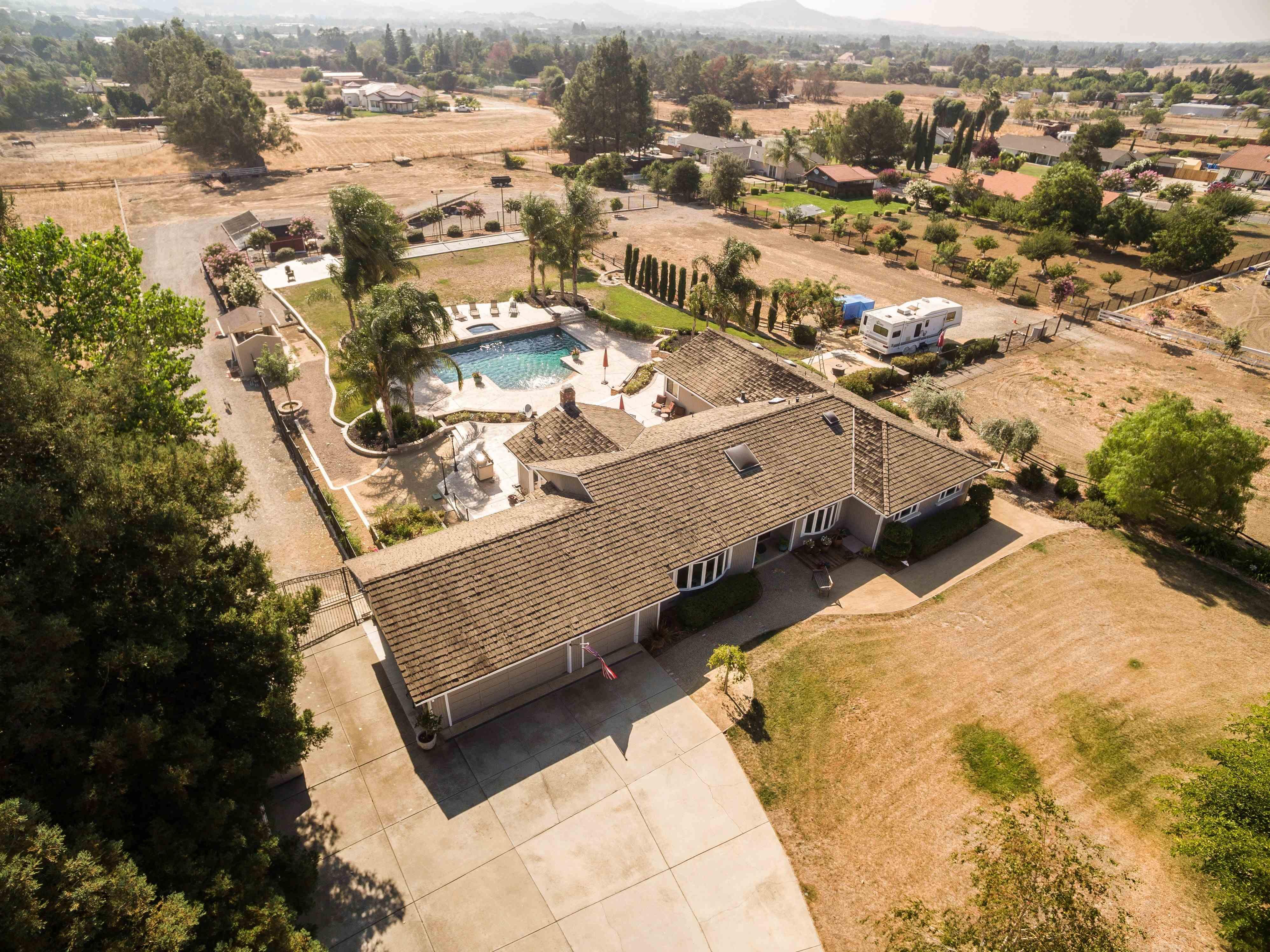 2.7 acres Gilroy, CA