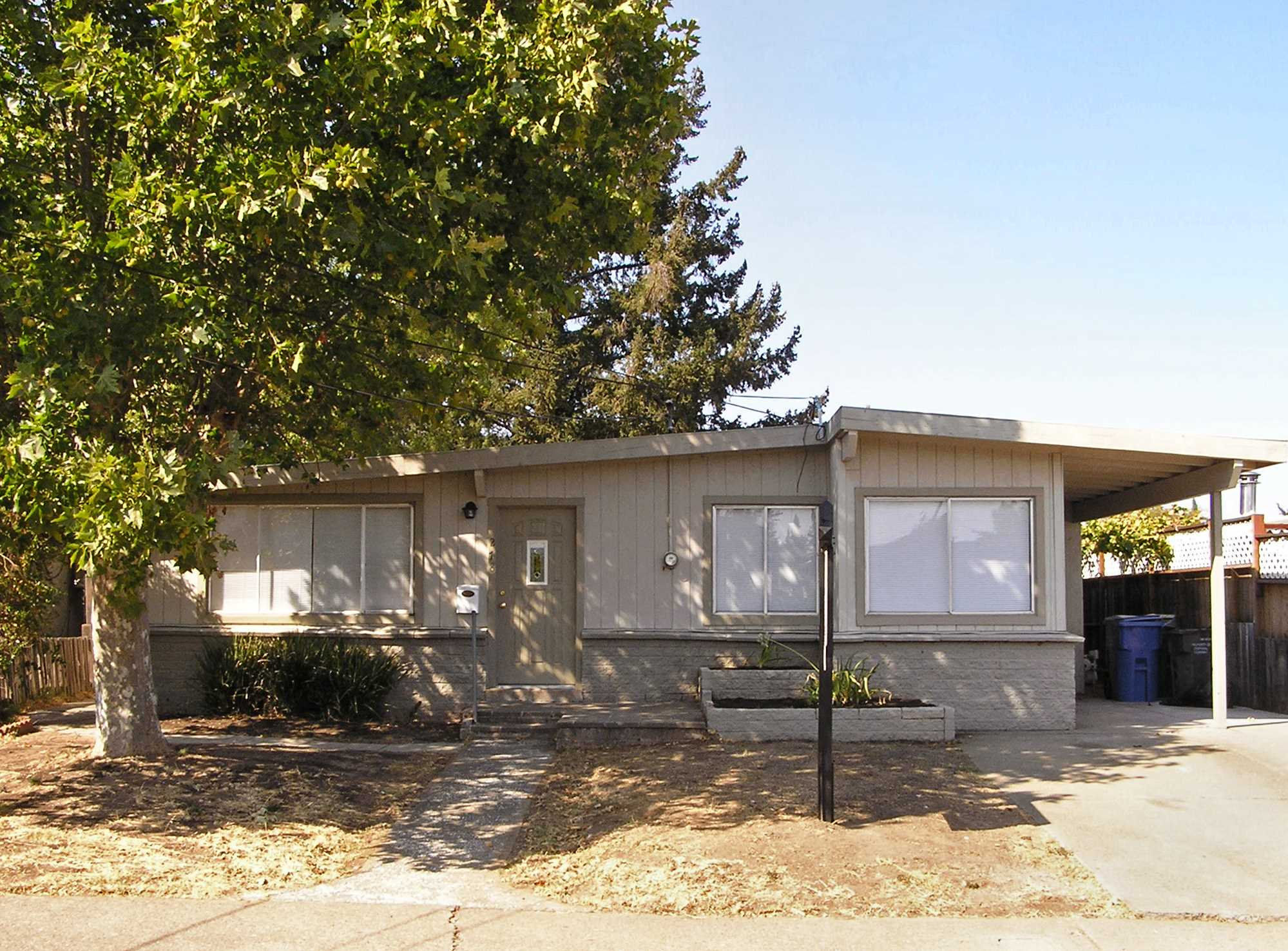 Photo of 278 Garrett Dr  Ukiah  CA