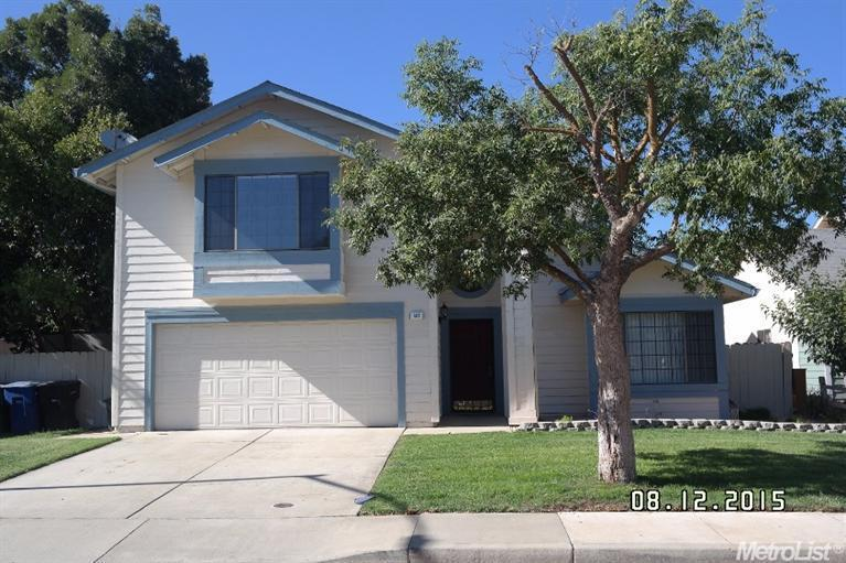 837 Mackilhaffy Dr, Patterson, CA 95363