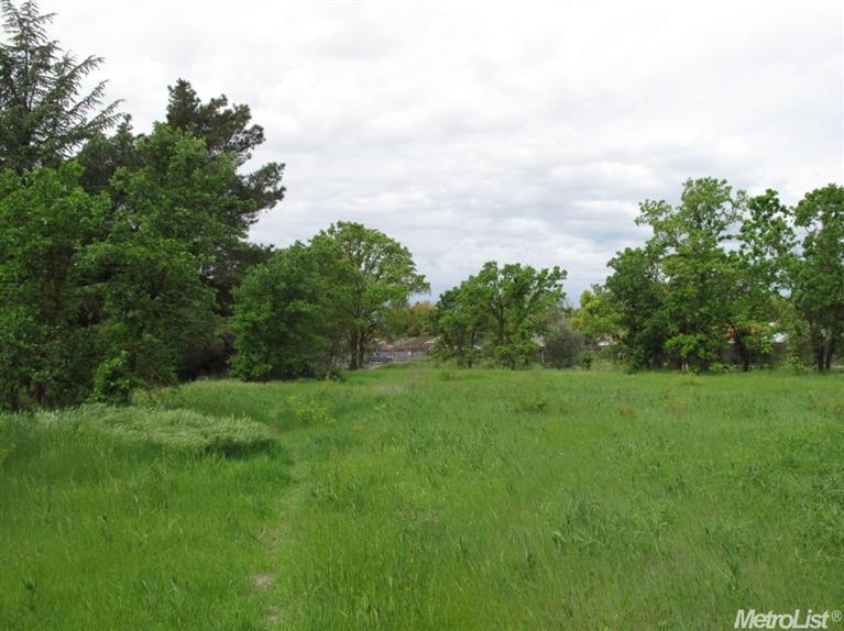 3.26 acres Elk Grove, CA