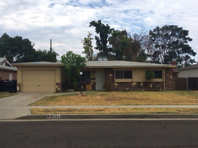 Photo of 2224 N Kensington Way  Hanford  CA