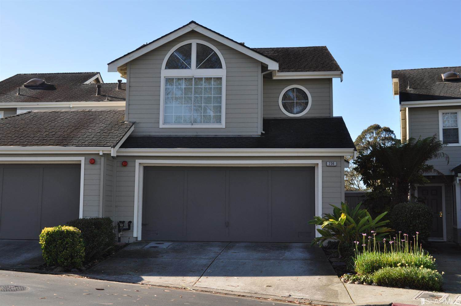 236 Greenview Dr, Daly City, CA 94014