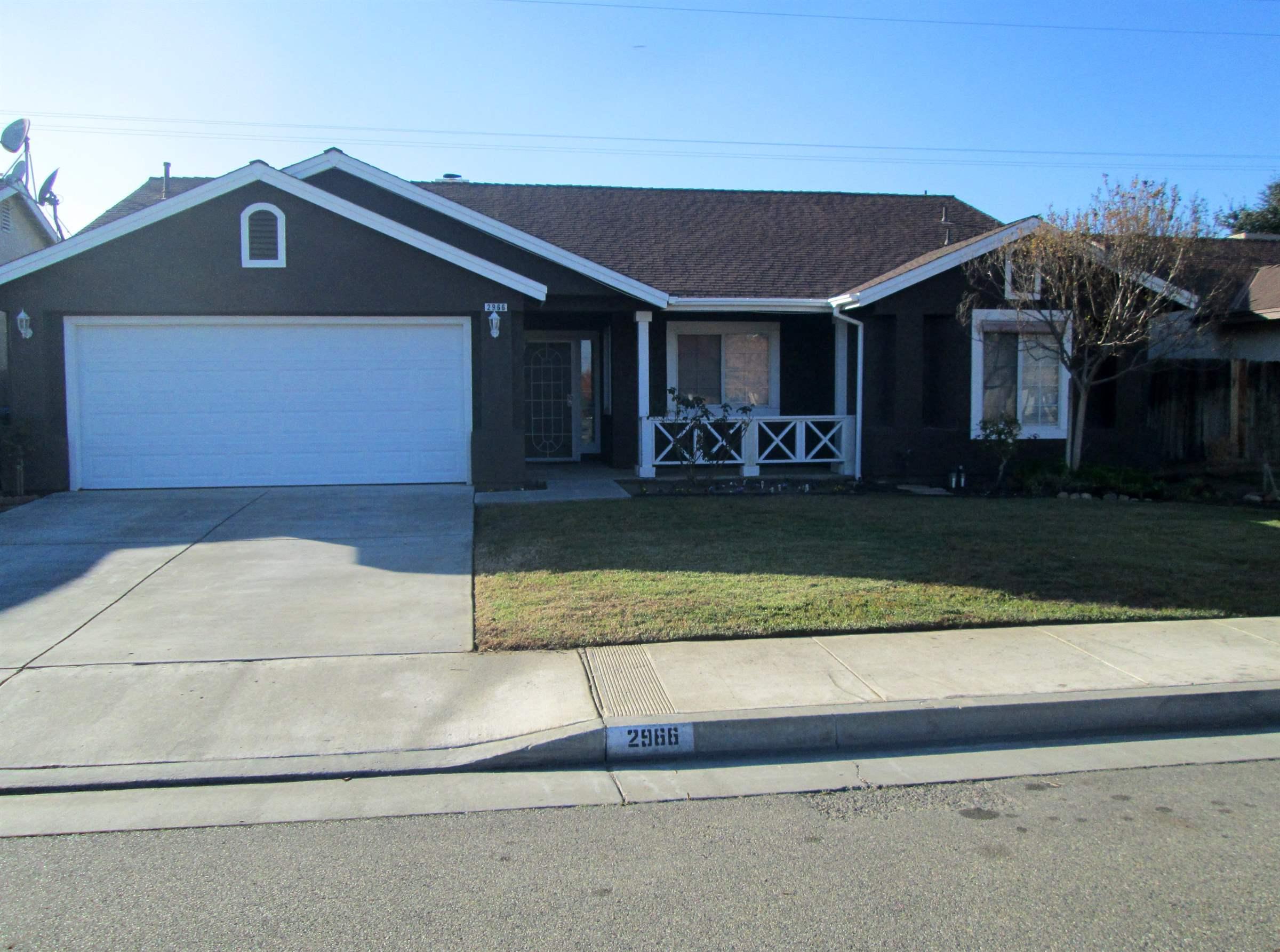 Photo of 2966 Tarragon Ave  Hanford  CA