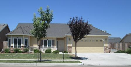 Photo of 1076 Avalon Dr  Lemoore  CA