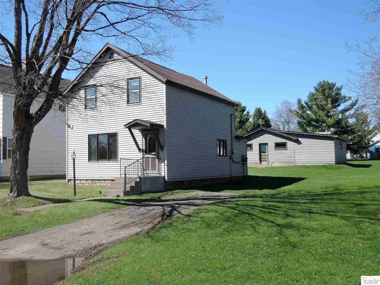 Photo of 713 W Pine St  Washburn  WI