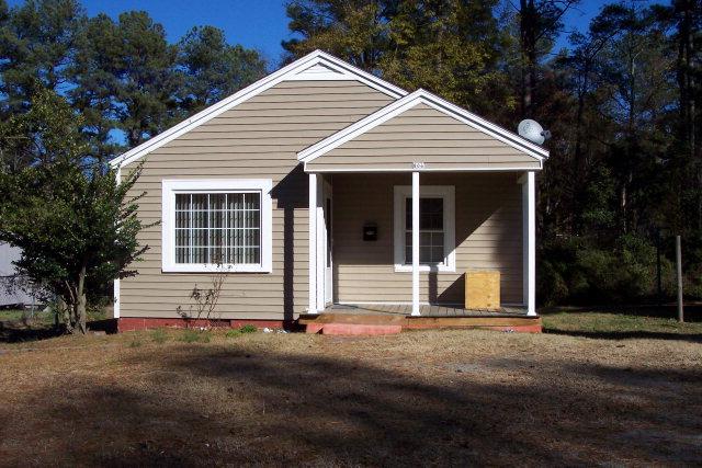 Rental Homes for Rent, ListingId:32063521, location: 806 N Steele St Sanford 27330