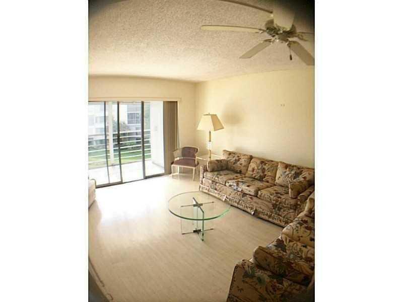 Rental Homes for Rent, ListingId:36894931, location: 3186 Via Poinciana Lake Worth 33467