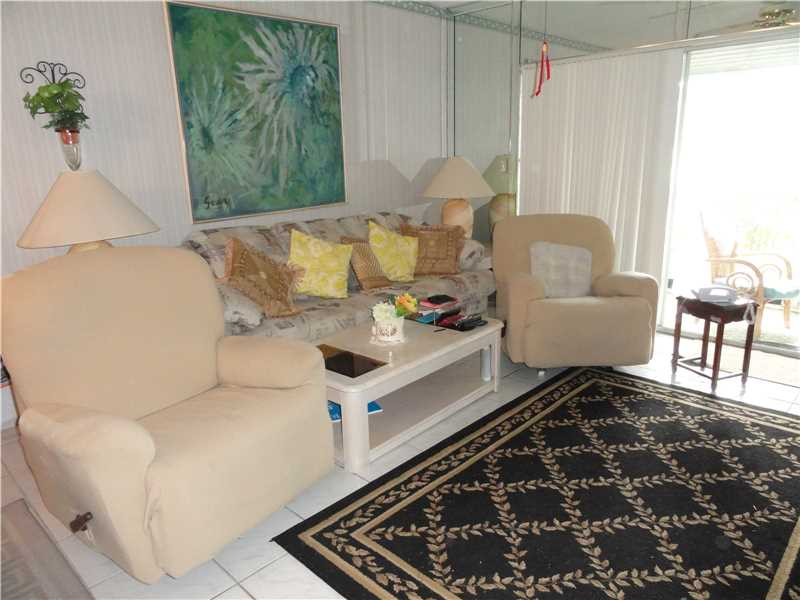 Photo of 981  Hillcrest Ct  Hollywood  FL