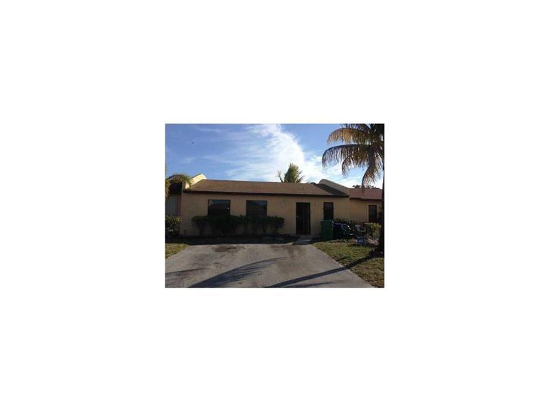 Photo of 2857 Northwest 203rd Ln  Miami Gardens  FL