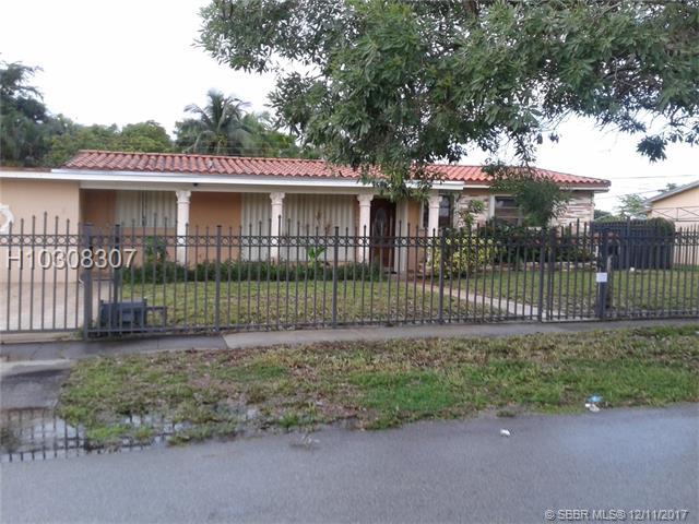 Photo of 825 West 70th Pl  Hialeah  FL