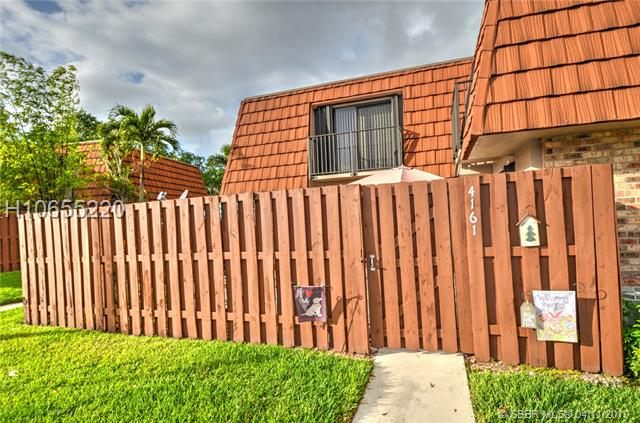4161 Forest Hill Dr, Cooper City, Florida