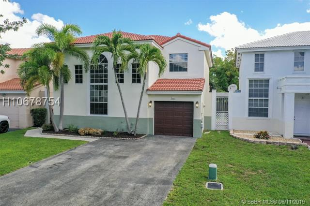 10691 N Saratoga Dr, Cooper City, Florida