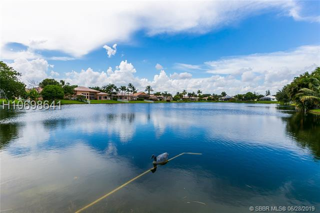 8911 NW 34th St, Cooper City, Florida