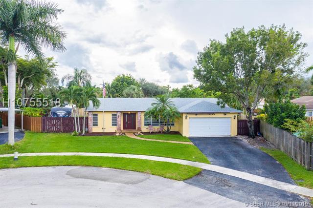 8742 SW 51st Pl, Cooper City, Florida