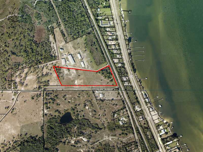 9.4 acres in Grant, Florida