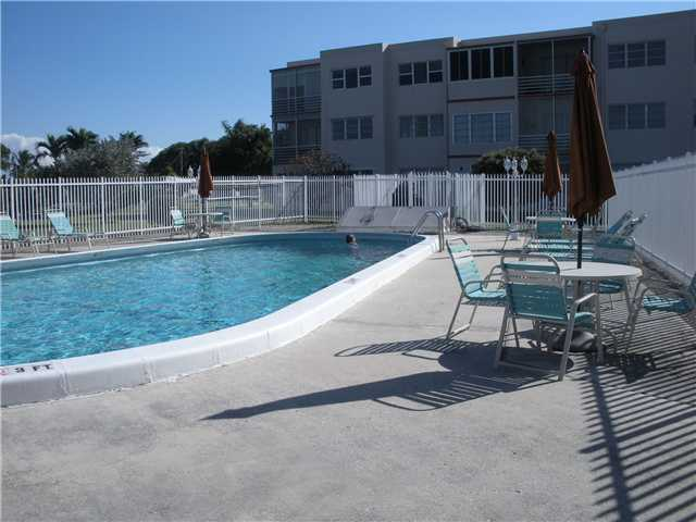 2200 Park Ln # 215, Hollywood, FL 33021