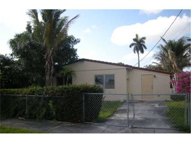 2710 Lee St, Hollywood, FL 33020