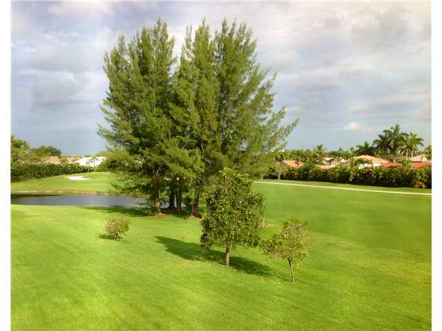 9611 N Hollybrook Lake Dr # 2-101, Pembroke Pines, FL 33025
