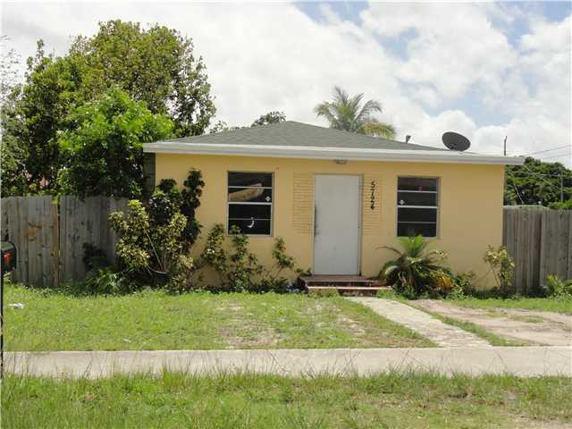 5724 Mayo St, Hollywood, FL 33023