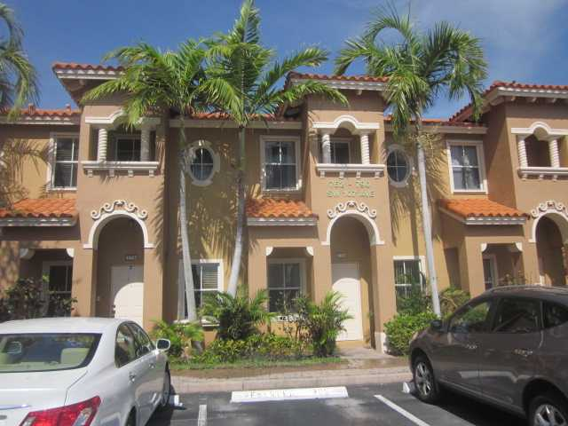 774 SW 107th Ave # 305, Pembroke Pines, FL 33025