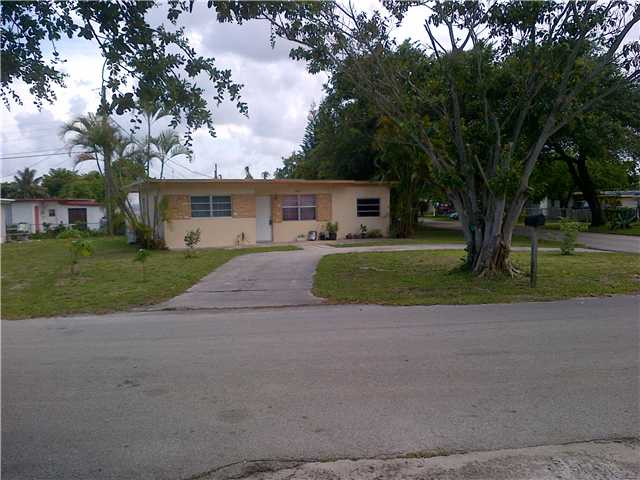 5640 Mckinley St, Hollywood, FL 33021