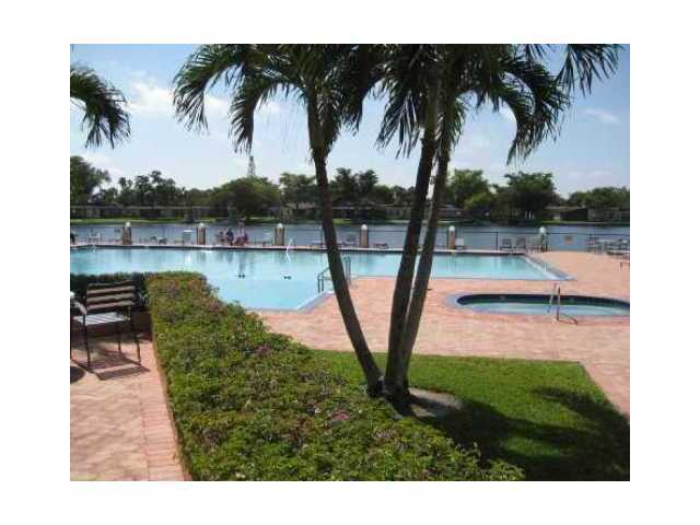 301 Cambridge Rd # 311, Hollywood, FL 33024