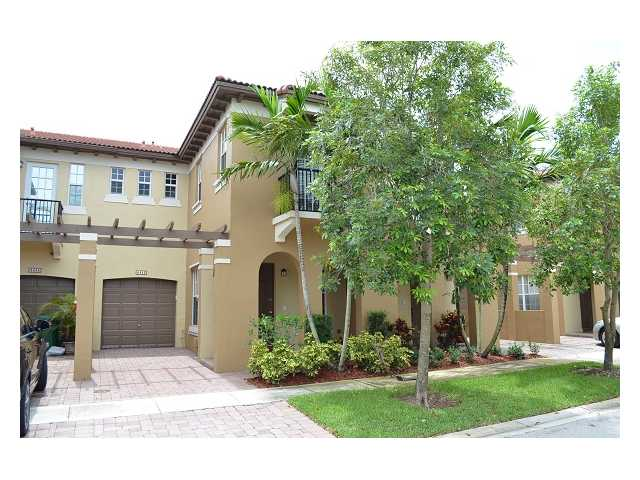 4443 Arabian Way, Fort Lauderdale, FL 33328