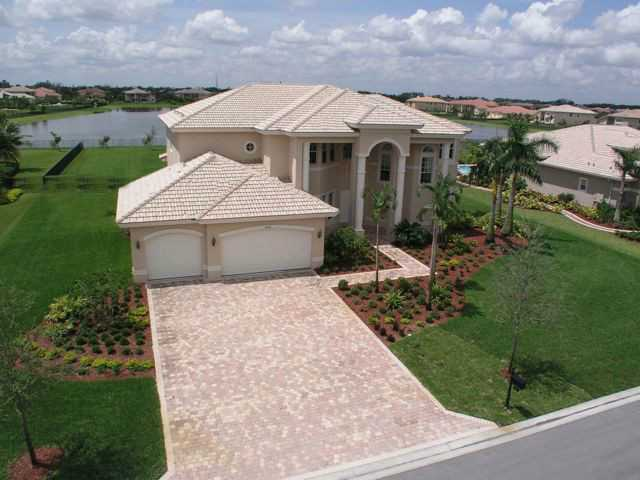10972 Pine Lodge Trl, Davie, FL 33328